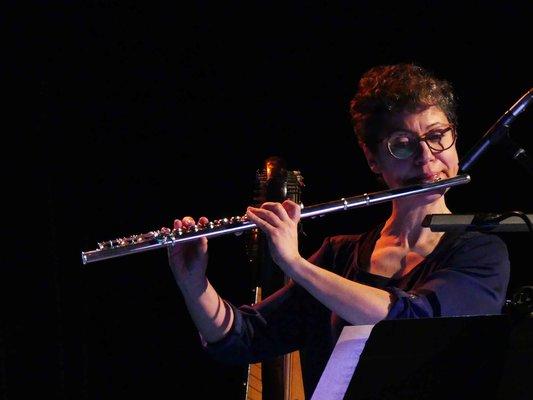 Professeur de flûte traversière à l'EMION