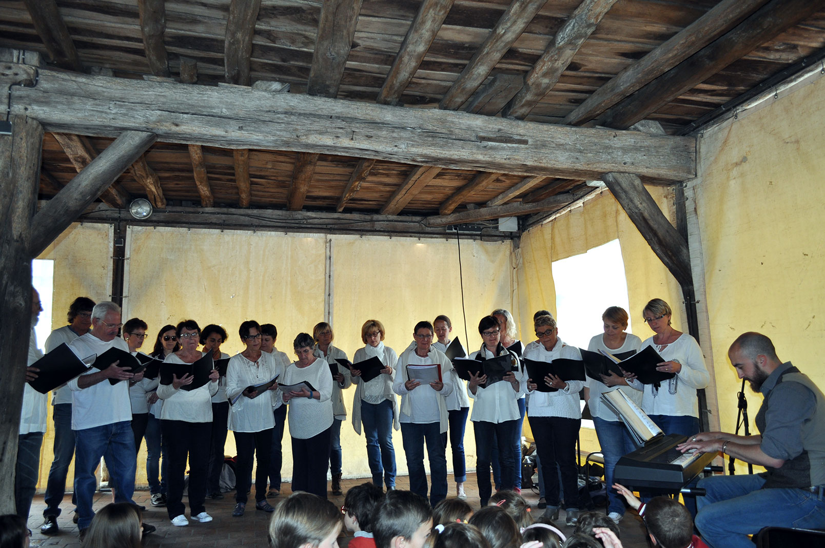 cours de chorale à Songeons avec l'EMION